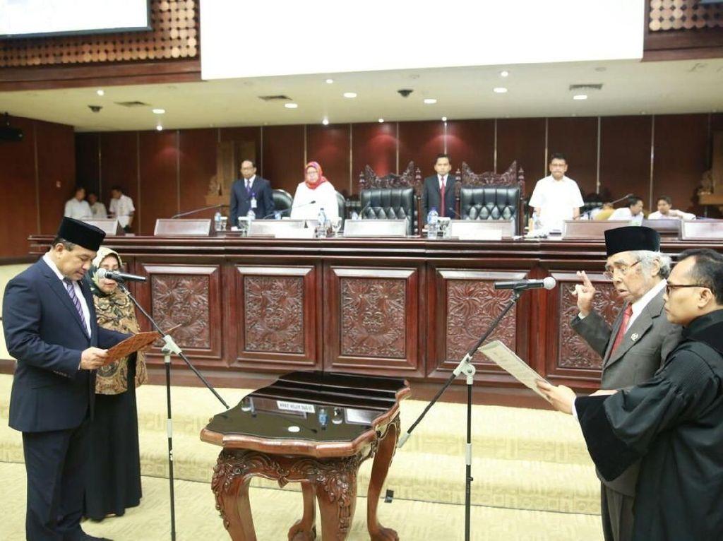Sabam Sirait Dilantik Jadi Anggota DPD Gantikan AM Fatwa