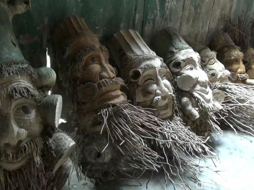 Pengrajin di Blora Ini Sulap Bonggol Bambu Jadi Kurcaci Unik