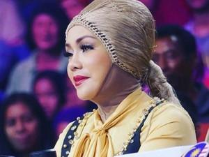 Profil Iyeth Bustami yang Bikin Heboh karena Disebut Lepas Hijab