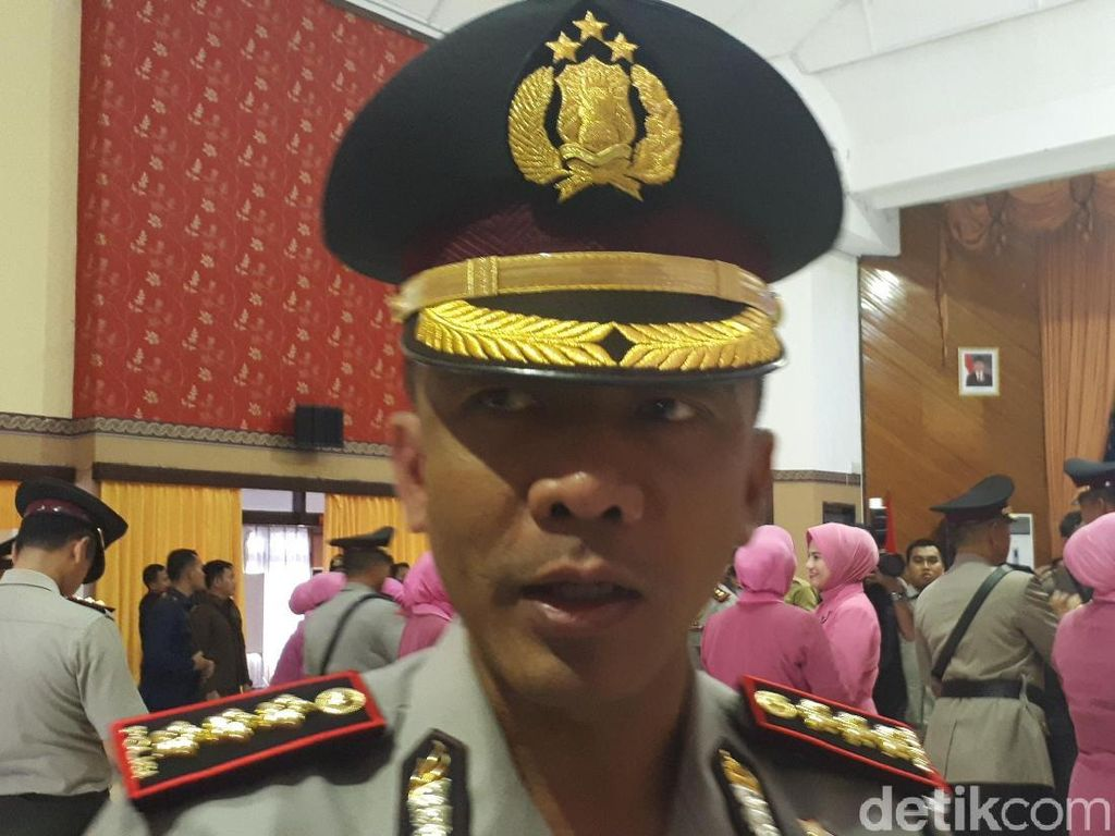 Pelaku Bom Mapolrestabes Surabaya Bawa KTP Dita Bomber