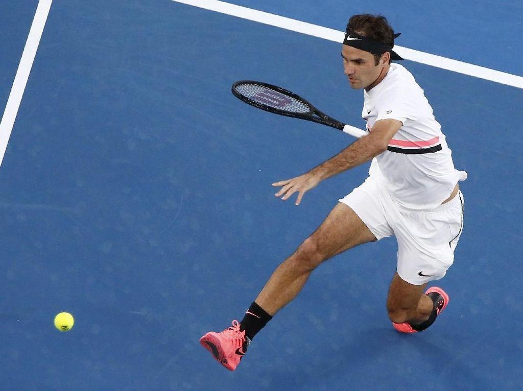 Federer Lewati Rintangan Pertama