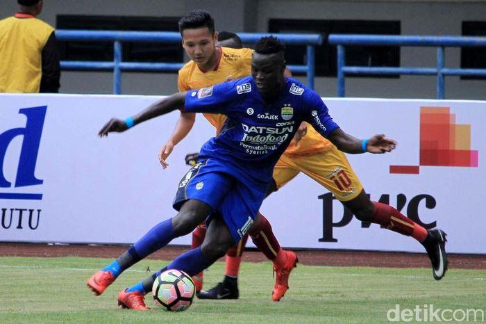 Turnamen pramusim ini dibuka di Stadion Gelora Bandung Lautan Api, Selasa (16/1/2018).