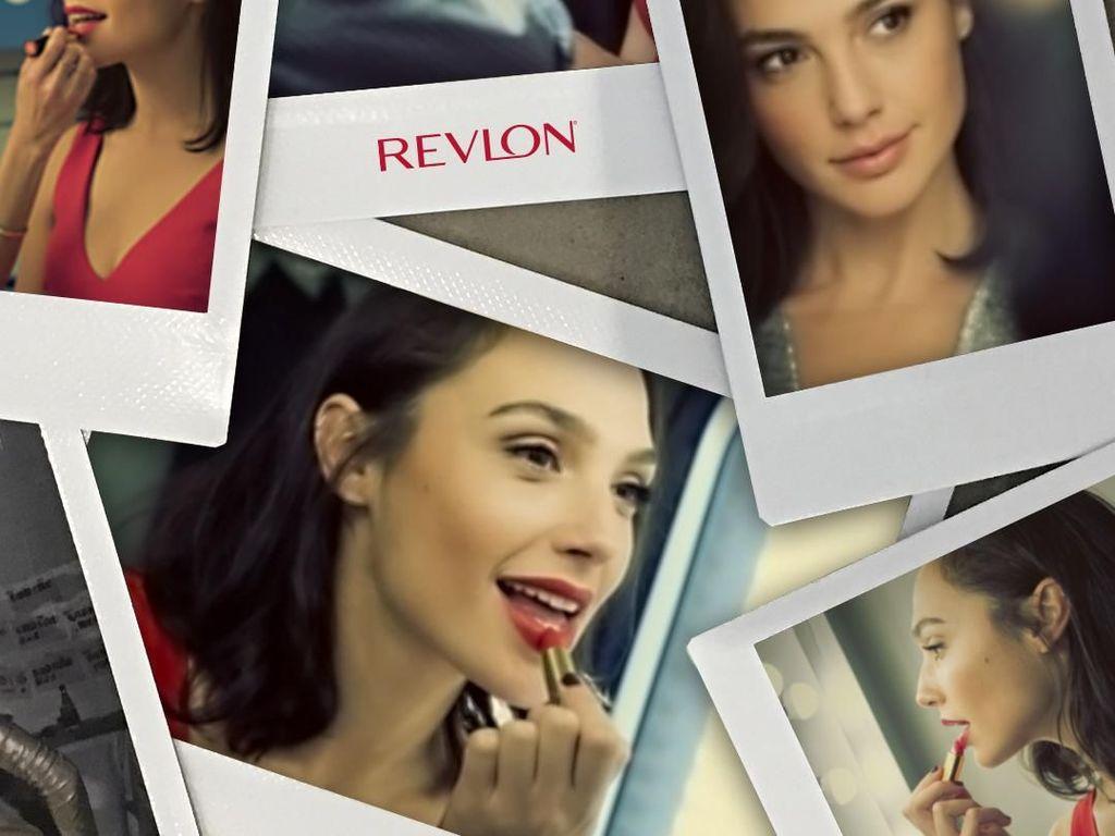 Menjajal Lipstik Kesayangan Gal Gadot si Wonder Woman