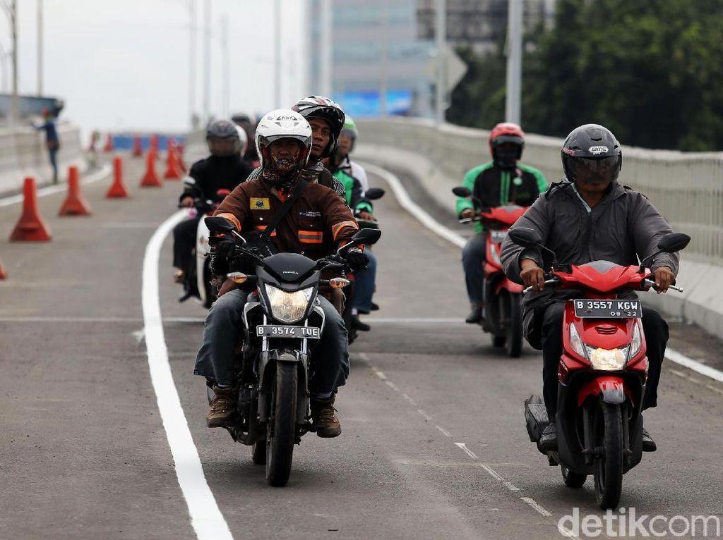 Flyover Pancoran Belum Ada Sertifikat, PUPR: Baru Soft Launching