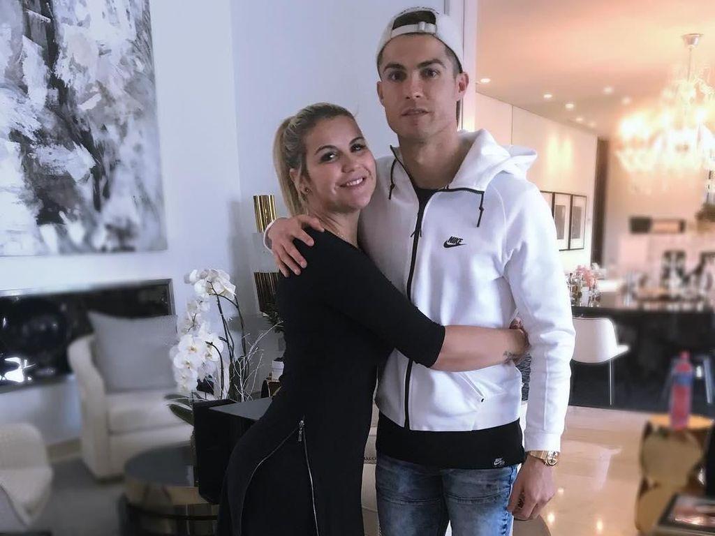 Ronaldo Pecahkan Rekor Gol, Kakaknya Bangga Bukan Main