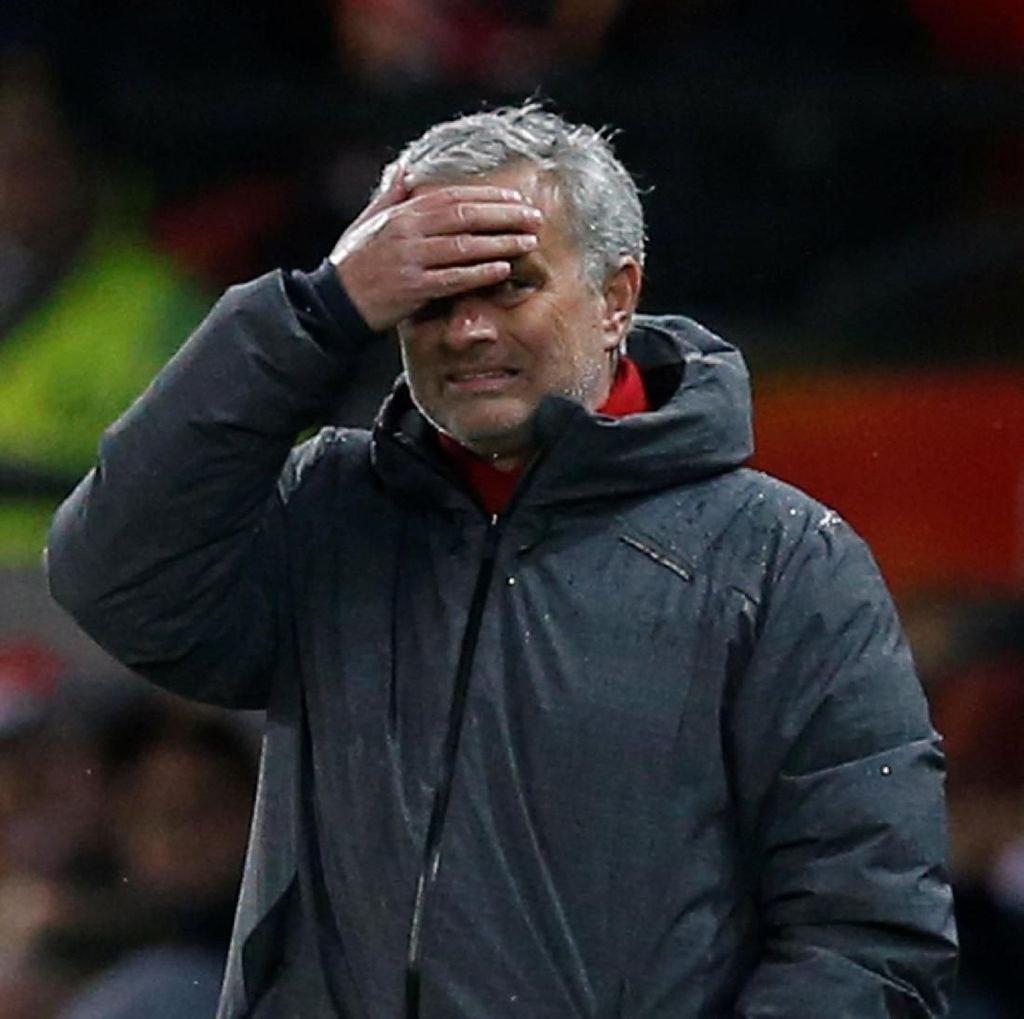 Mourinho Diprediksi Tak Bertahan Lama di MU