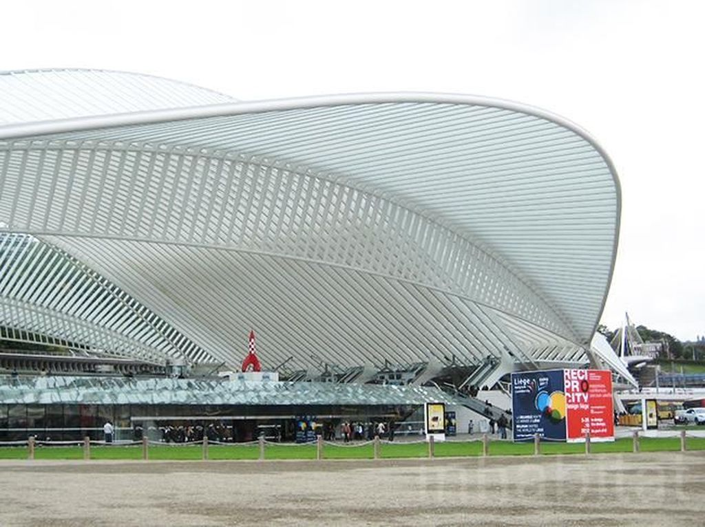 Keren! Stasiun Kereta Cepat di Belgia Ini Terbungkus Kaca