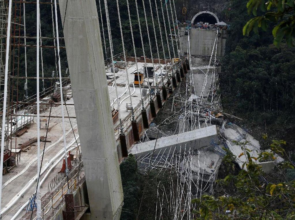 Penampakan Jembatan Ambruk di Kolombia yang Tewaskan 9 Orang