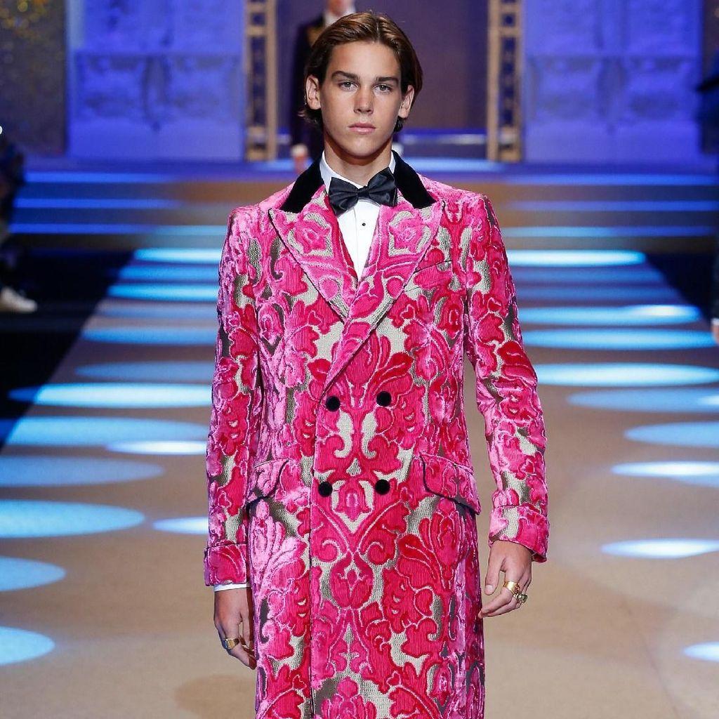 Foto: 7 Anak Selebriti Dunia Eksis di Catwalk Dolce & Gabbana