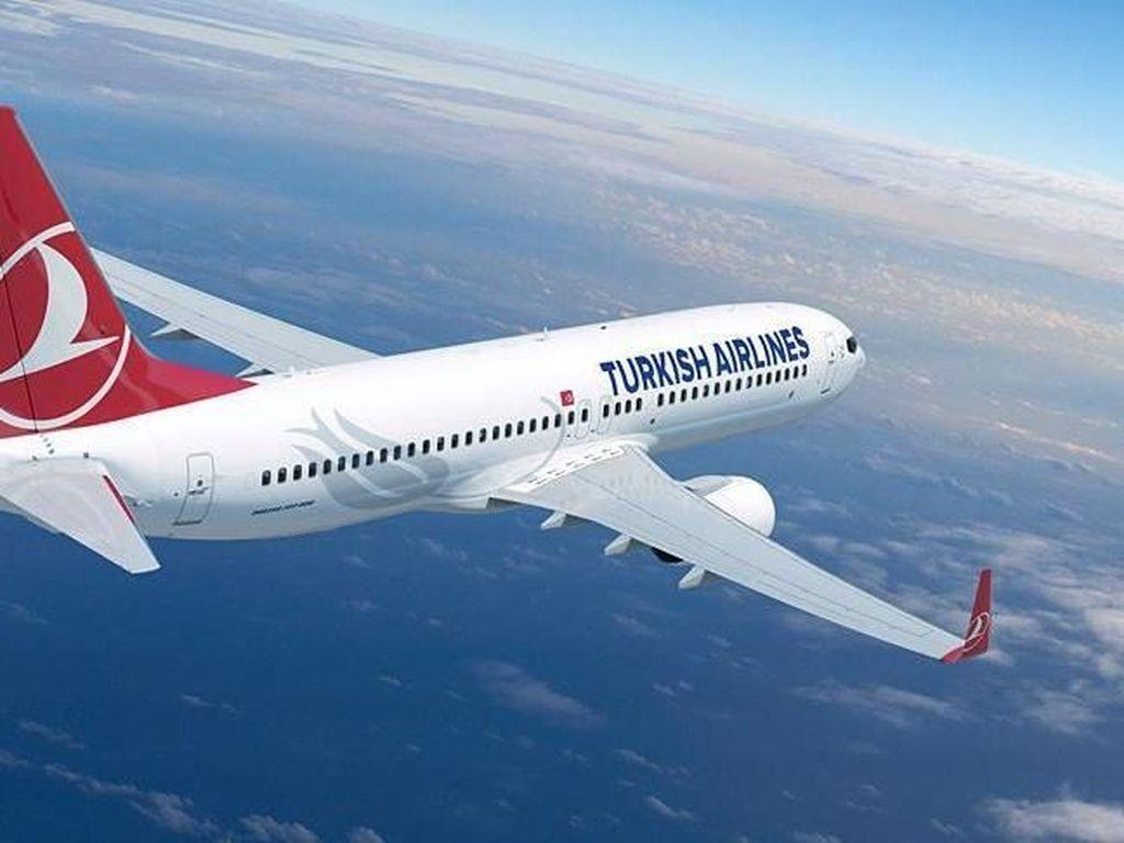 Ulah Penumpang Pesawat Bikin Heboh: Merokok hingga Buka Pintu Darurat