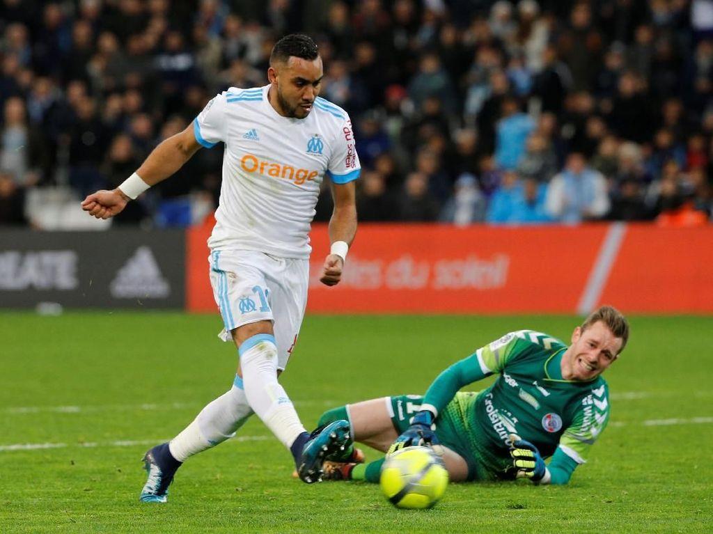 Aksi Dimitri Payet: Cetak Gol Sekaligus Bikin Kiper Lawan Cedera