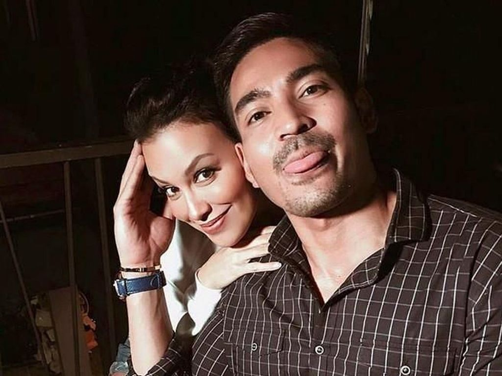 Diisukan Pacari Robby Purba karena Foto Bersama, Sophia Latjuba Tepuk Jidat