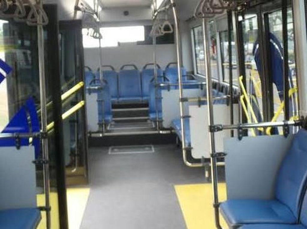 Curi 130 Kursi Bus TransJ di Terminal Pulogadung, 4 Pria Ditangkap