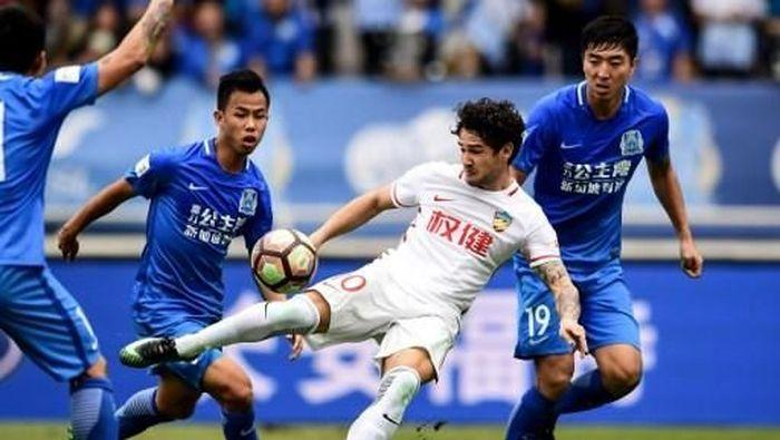 Pato sedang beraksi bersama Tianjin Quanjian (AFP / STR)