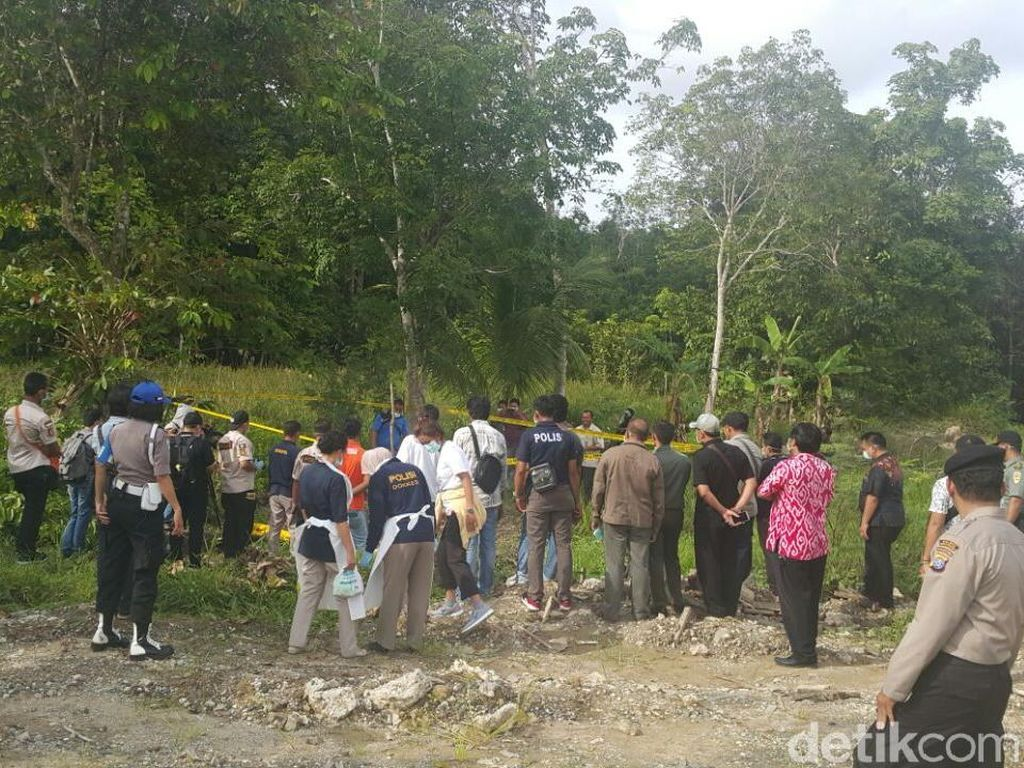 Kuburan Dibongkar, Bangkai Orangutan Tanpa Kepala Diautopsi