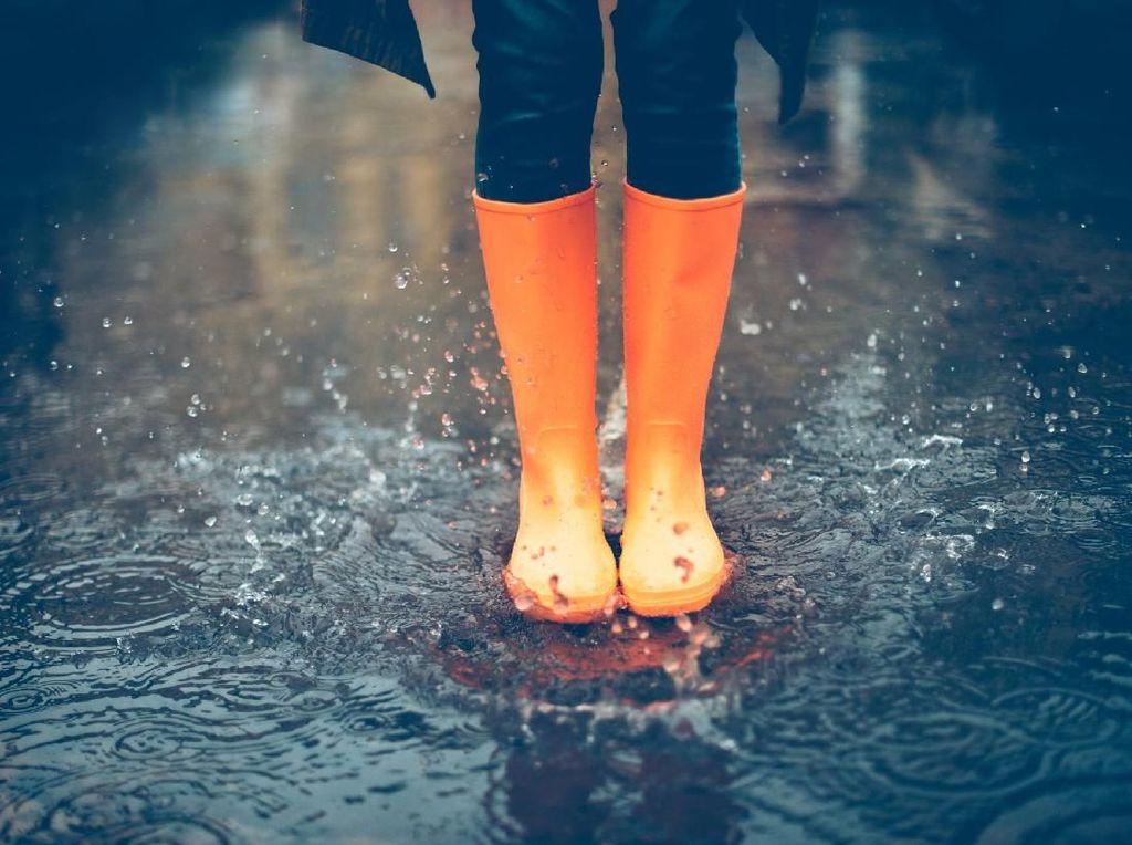 5 Tips Jaga Kondisi Agar Tubuh Tak Tumbang di Musim Hujan