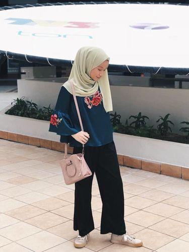 Baru Berusia 14, Gadis Kecil Asal Malaysia Sudah Jadi Juragan Kerudung