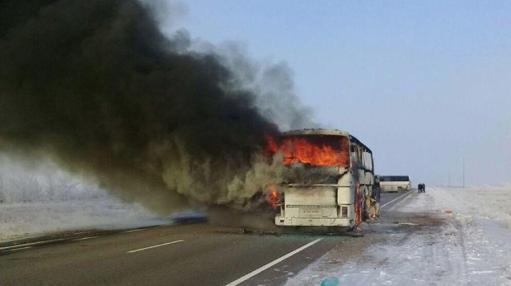 Penampakan Bus Terbakar di Kazakhstan yang Tewaskan 52 Orang