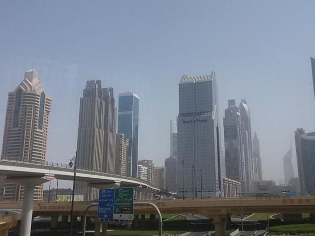 Dubai, dari Padang Pasir Menjadi Padang Besi