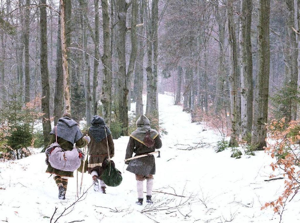 Begini Jadinya Kalau Viking Naik Gunung