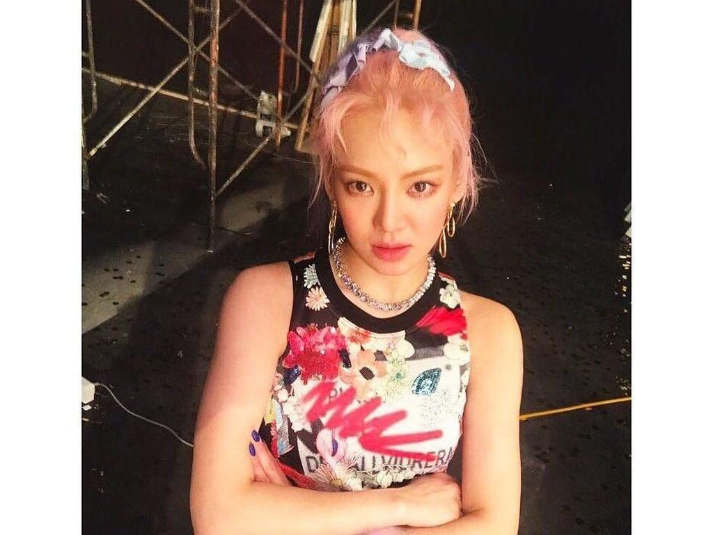 Nyanyi Punk Right Now di HUT Transmedia, Begini Aksi Hyoyeon!