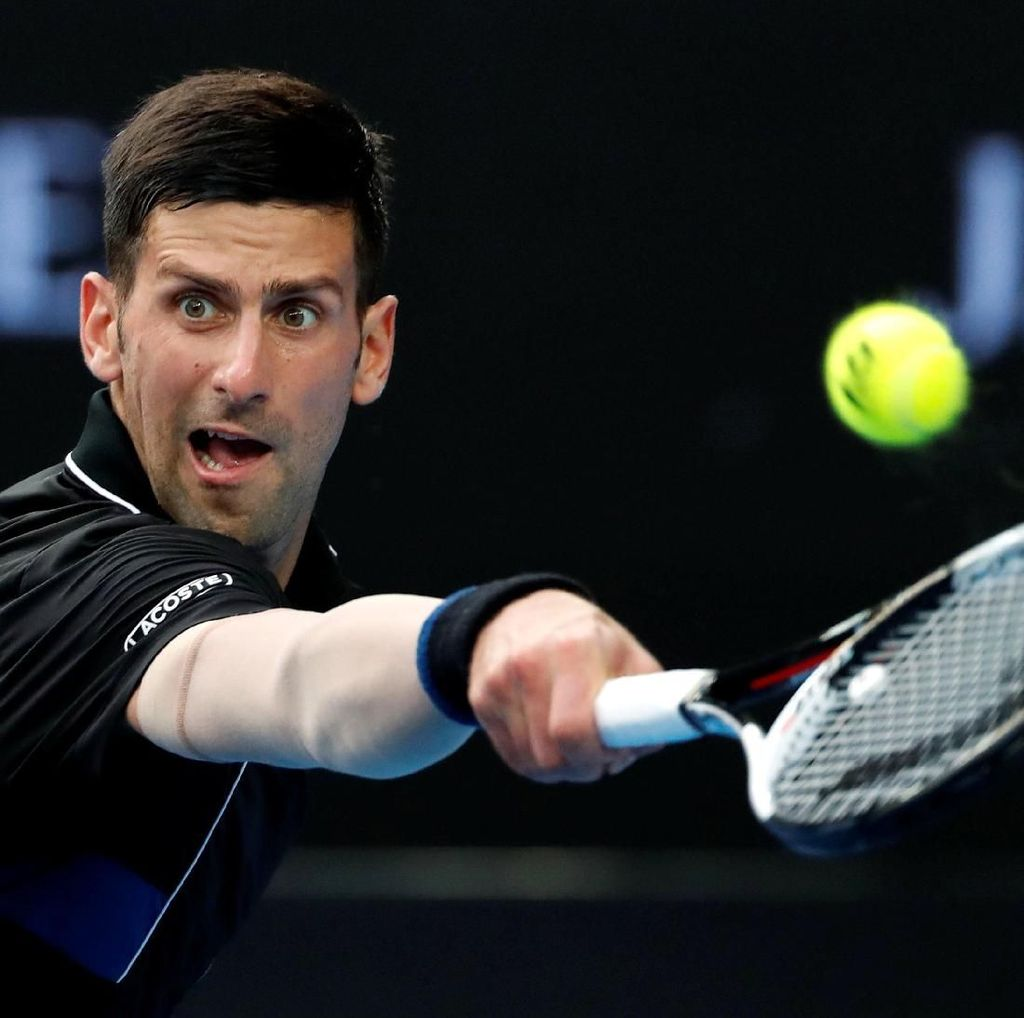 Sempat Cedera, Djokovic Menang dan Tembus Babak Keempat