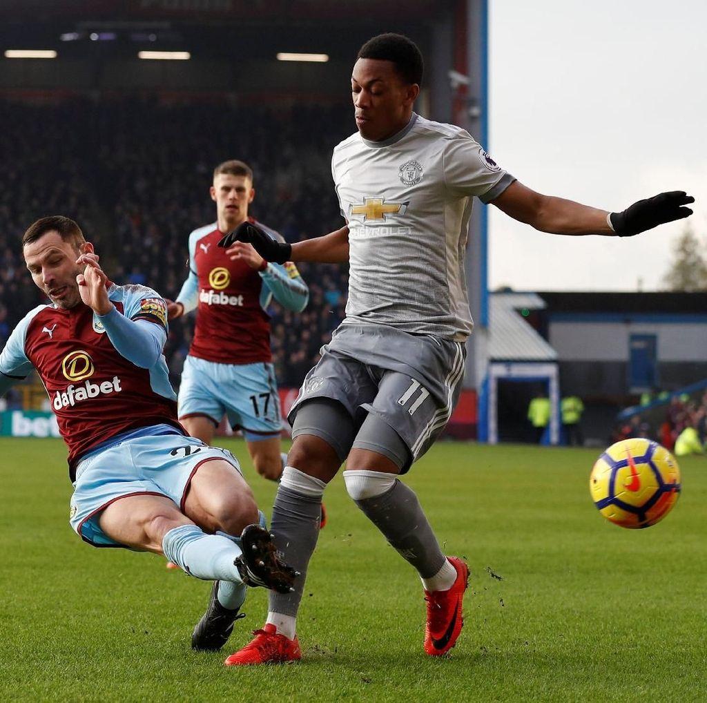 Burnley-MU Sementara Masih 0-0