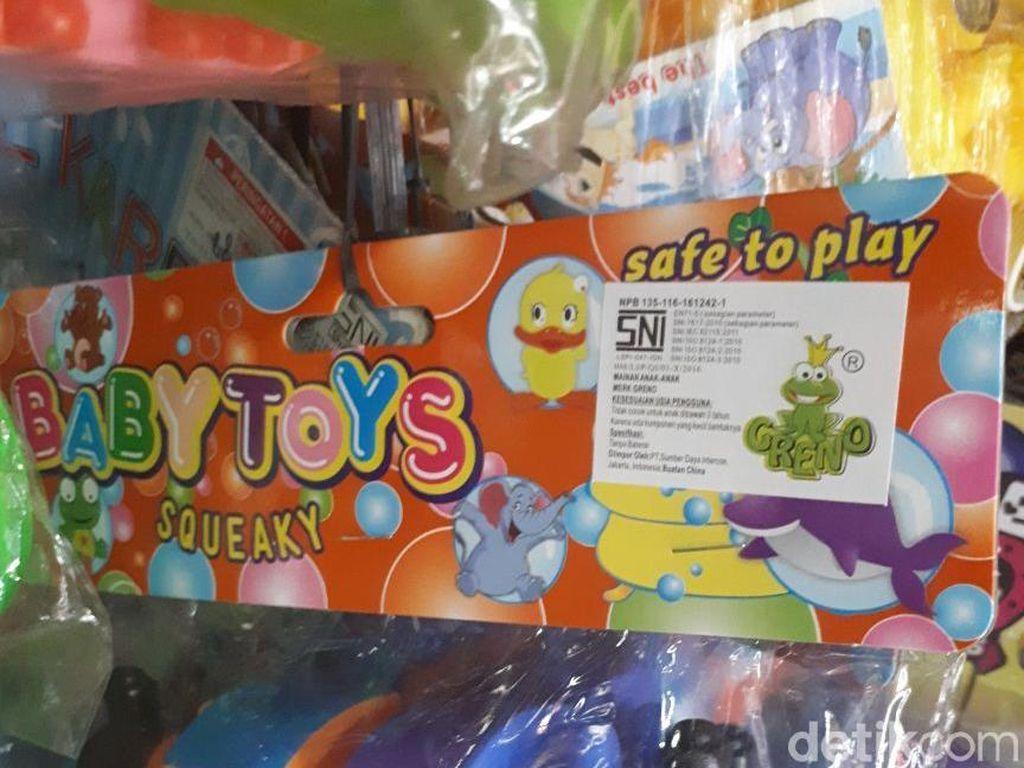 Kolektor Pertanyakan Kualitas Mainan SNI