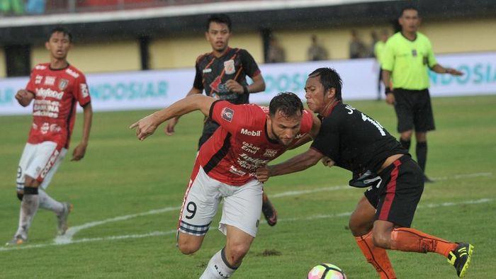 Penyerang Bali United Ilija Spasojevic (Nyoman Budhiana/Antara Foto)