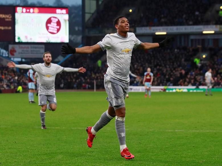 Gol Tunggal Martial Menangkan MU atas Burnley