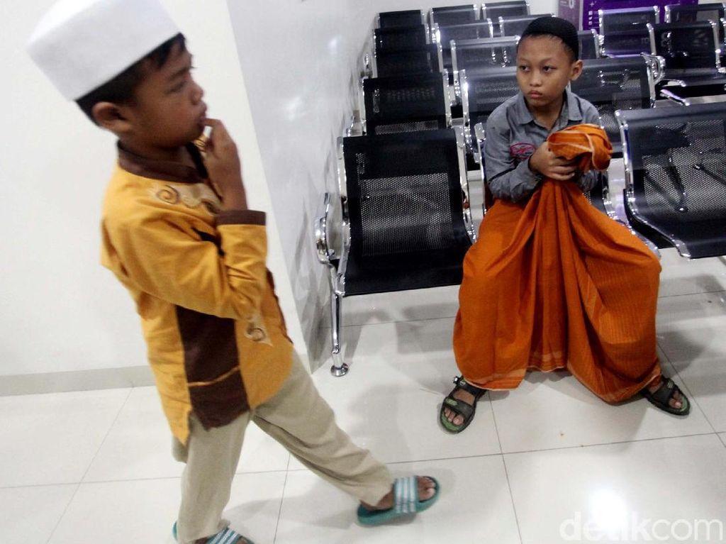 Benar Nggak Sih Tubuh Anak Bertambah Besar dan Meninggi Sehabis Sunat?