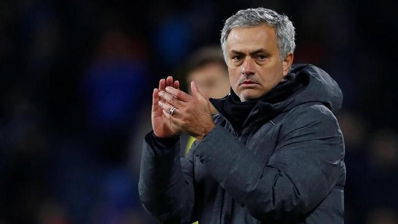 MU Perpanjang Kontrak Mourinho Sampai 2020