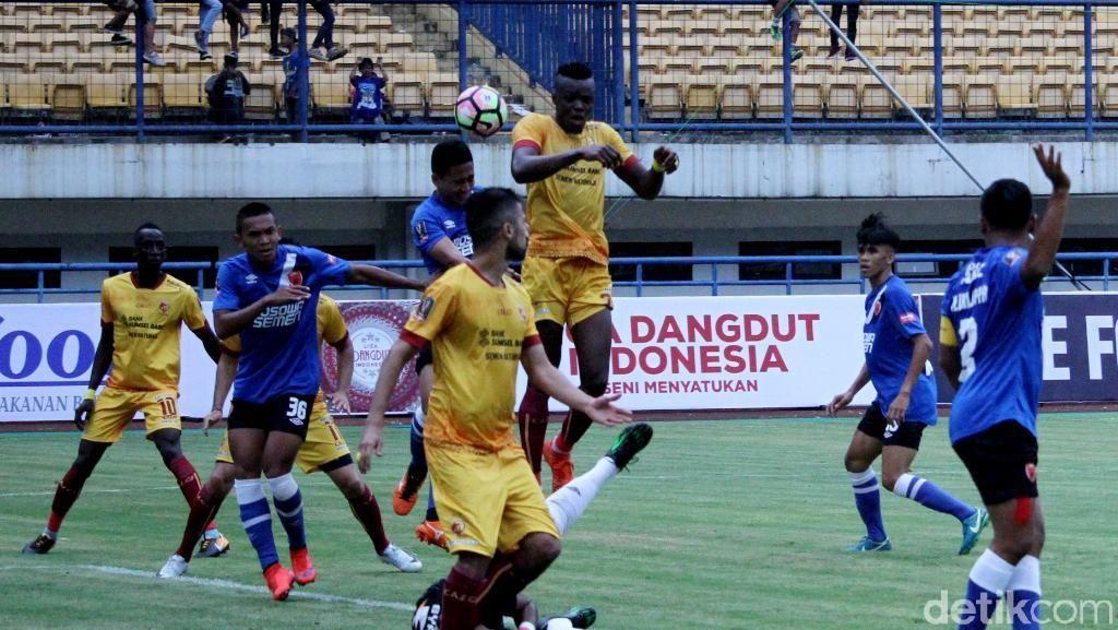 Sriwijaya FC Bungkam PSM Tiga Gol Tanpa Balas