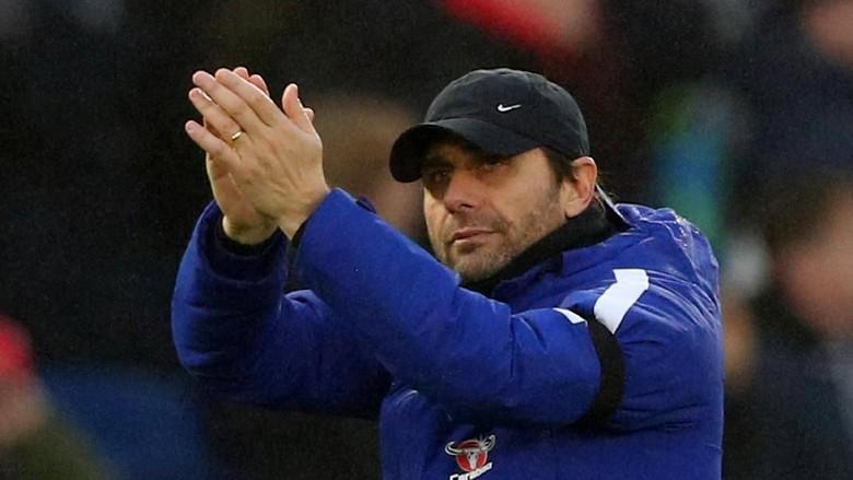 Melihat Riwayat Chelsea, Carragher Khawatir dengan Nasib Conte