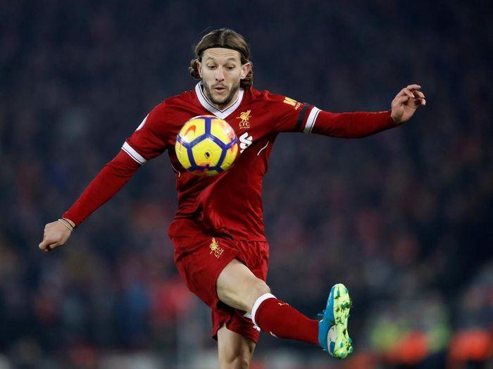 Pemain Liverpool, Adam Lallana, turun drastis. Kini ditaksir seharga 19,4 juta euro, turun 20,5 juta euro dari nilai sebelumnya.Foto: Carl Recine/Reuters