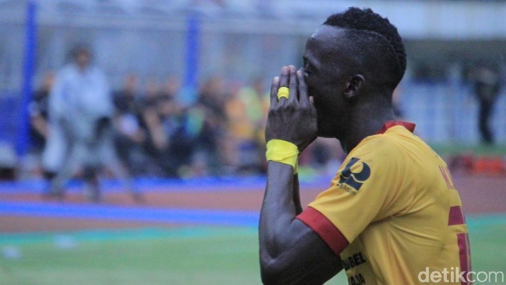 Tak Masalahkan Sorakan Penonton, Konate Cuma Fokus Menangkan Sriwijaya FC