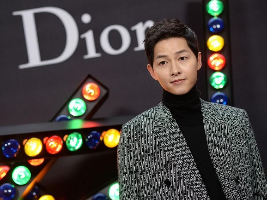 Song Joong Ki Diam-diam Syuting Film Baru usai Gugat Cerai Song Hye Kyo