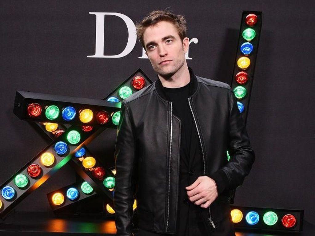 Robert Pattinson Disebut Perankan Batman, Ini Reaksi Netizen