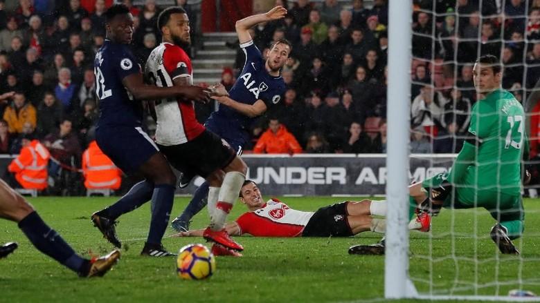 Spurs Diimbangi Southampton 1-1