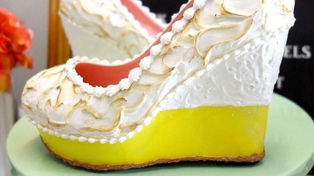 Wow! Deretan Sepatu Ini Terlihat Persis Dessert Asli!