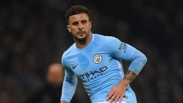 MANCHESTER, ENGLAND - JANUARY 20:  City player Kyle Walker in action during the Premier League match between Manchester City and Newcastle United at Etihad Stadium on January 20, 2018 in Manchester, England.  (Photo by Stu Forster/Getty Images)
