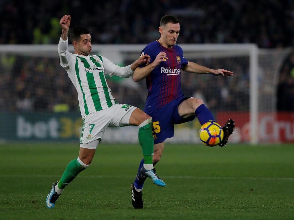 Barcelona Kehilangan Vermaelen Enam Pekan