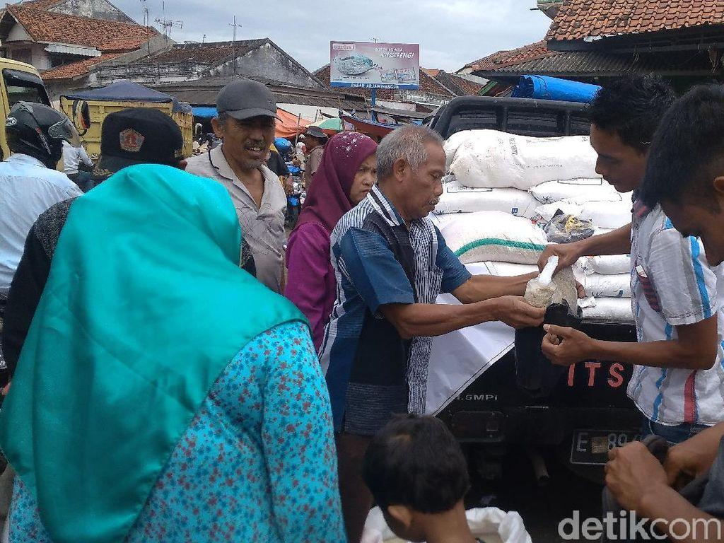 Harga Melonjak, Bulog Cirebon Gelar Operasi Beras