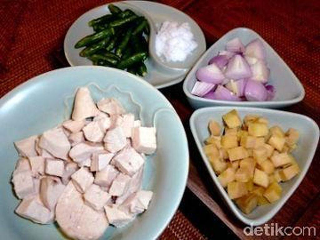 Manuk Sira Pege, Ayam Berbumbu Garam dan Jahe Khas Tapanuli