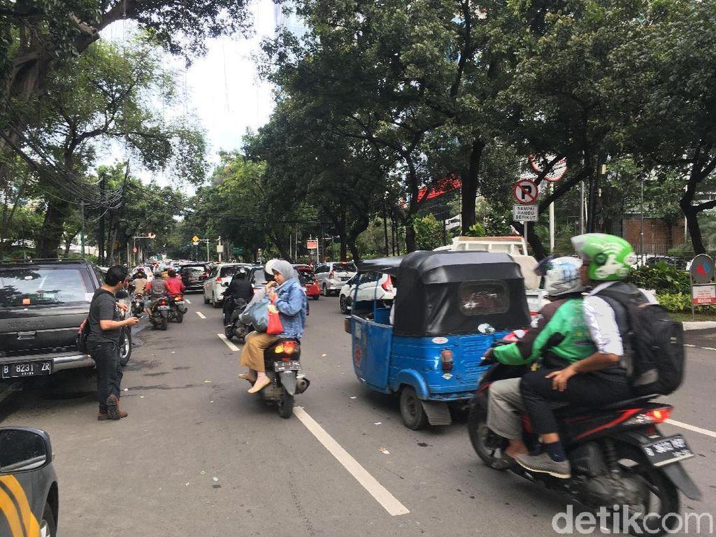 Demo Sopir Angkot depan DPRD DKI Bubar, Lalin Kembali Normal