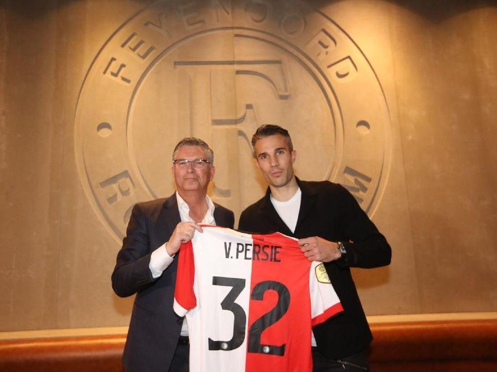 Van Persie Pakai Nomor 32 di Feyenoord