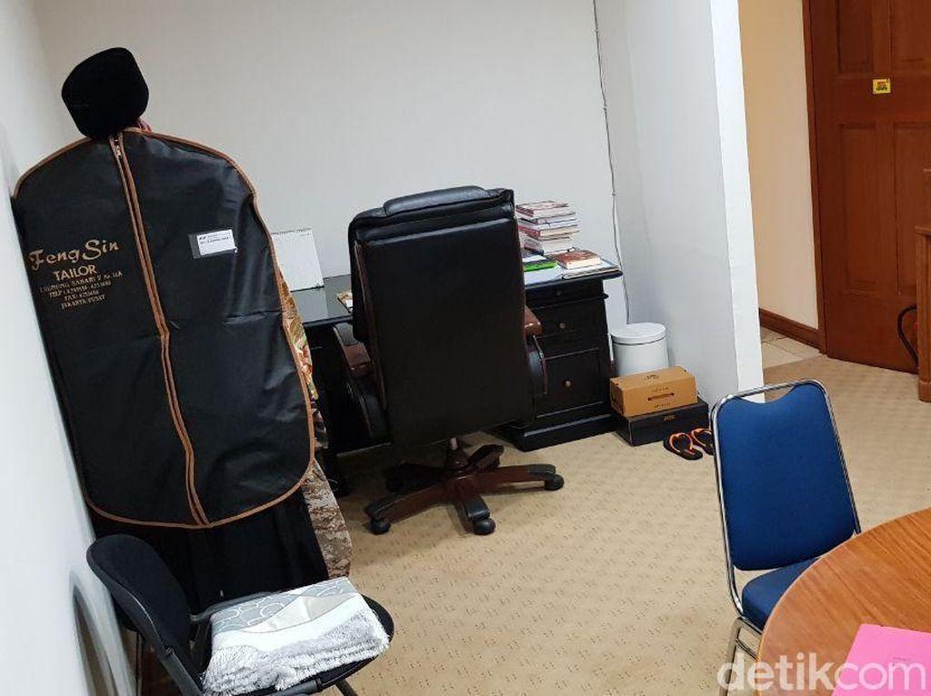 Foto: Ruang Kerja Mungil Sandiaga Uno