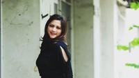 Cut Keke Tersenyum Saat Dina Lorenza Ramai Dijodohkan dengan Ariel NOAH