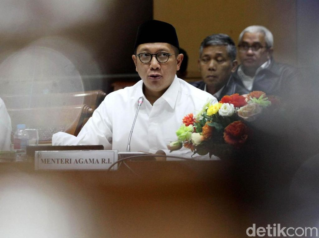 Rapat dengan Komisi VIII, Menag Bahas Evaluasi Haji 2018