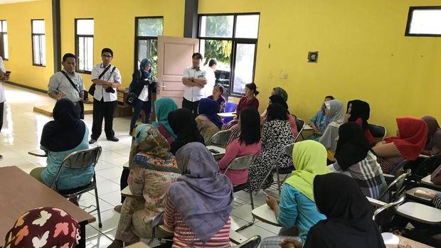 Tim Kemenaker mendatangi tempat calon penampungan TKI yang akan diberangkatkan ke Timur Tengah, Senin (22/1/2018)
